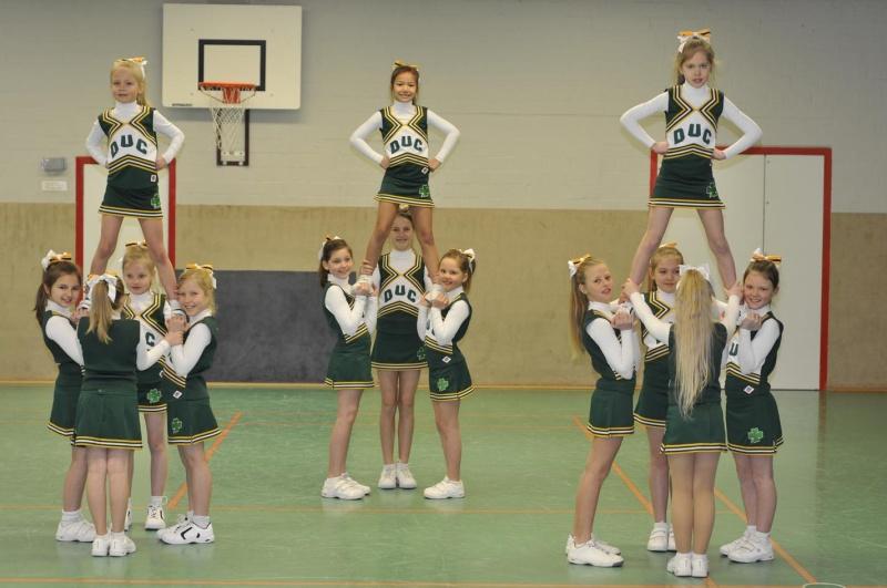 2010_cheer02-1